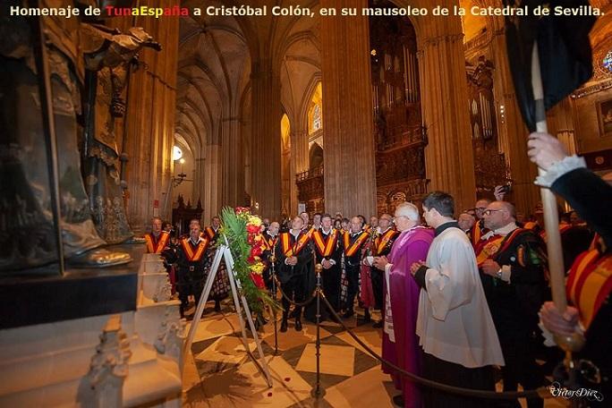 TunaEspaña,Homenaje de TunaEspaña a CRISTÓBAL COLÓN, CATEDRAL de SEVILLA. 2
